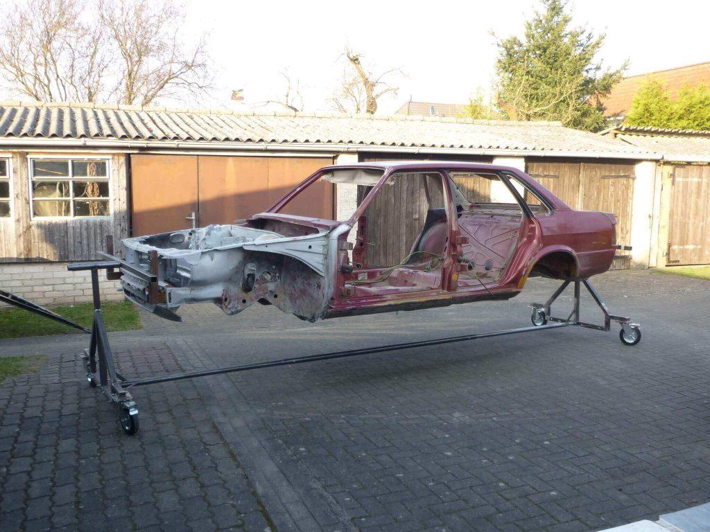 Audi Typ81 auf Auto Drehgestell