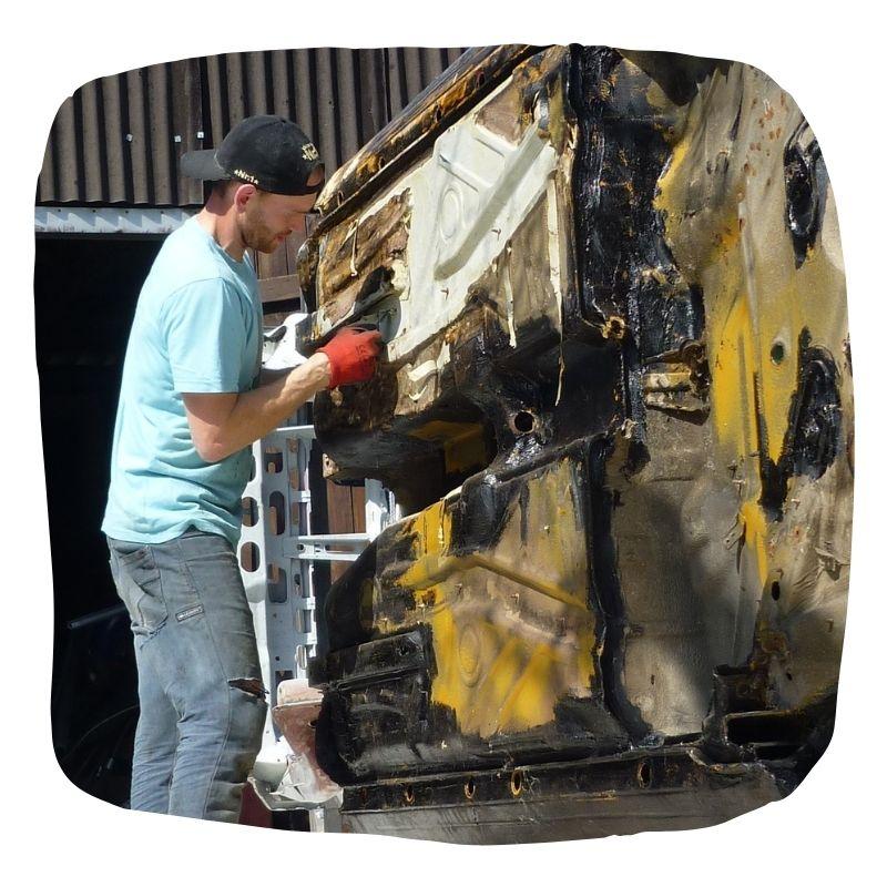 Bild bei der Arbeit mit der Auto Drehgestell Bauanleitung